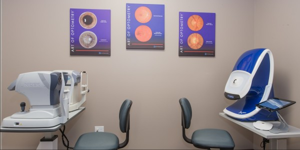 We use advanced eye care technology