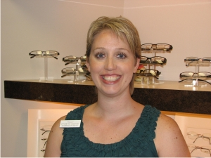 Holly Lee is an optometric technician at Woodbridge Optometry in Irvine
